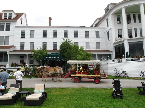 Island House Hotel: The Island House is a trip back in time