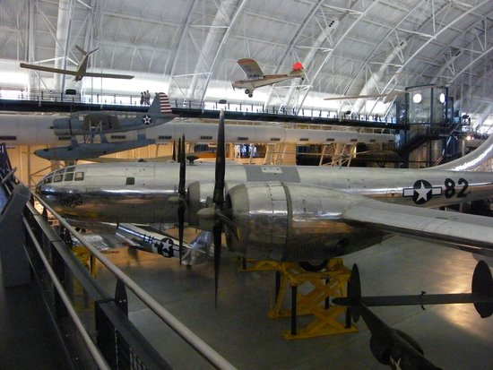 Smithsonian National Air and Space Museum Steven F. Udvar-Hazy Center : B-29 Superfortress