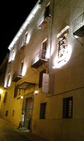 Hotel Convento del Giraldo: Fachada nocturna