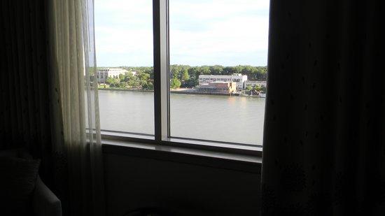 Westin Savannah Harbor Golf Resort & Spa: Room view of the Savannah River
