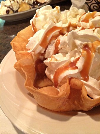 Bandanas Mexican Grille: Warm Apples & Ice Cream in a Sweet Tortilla Shell for Dessert