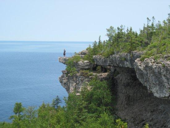 Bruce Peninsula National Park : Me on a ledge