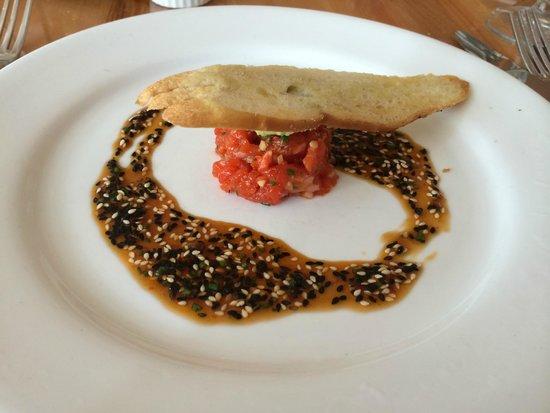 Lumiere: salmon tartare