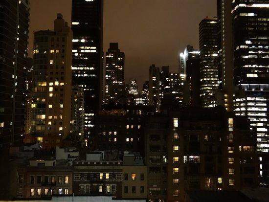 Pod 51 Hotel : vista nocturna2