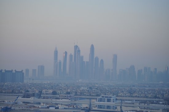 Atlantis, The Palm : Dubai Skyline in the morning