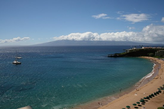 Aston at The Whaler on Kaanapali Beach : View of Black Rock