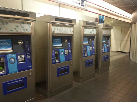 SkyTrain: Máquinas para comprar o bilhete