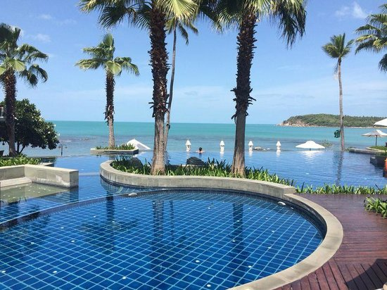 Nora Buri Resort & Spa: Infinity pool