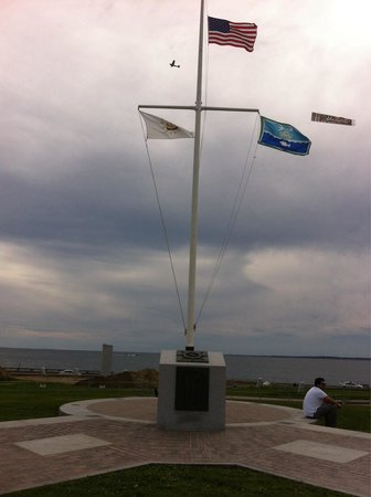 Brenton Point State Park: Great Memorial on Site