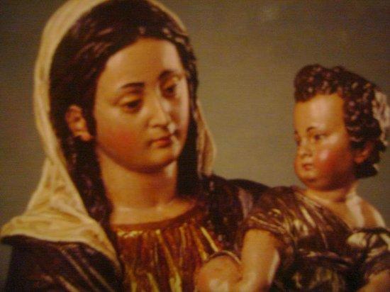 Centro histórico de Lima: Virgen con el niño de la Espina S. XVII BCP Jr. Lampa 499, Lima, Ingreso Gratis