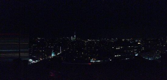 Fairfield Inn & Suites New York Midtown Manhattan/Penn Station : Roof top bar view 2