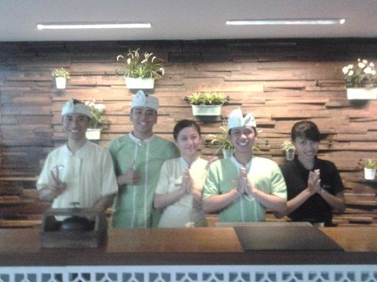 Akmani Legian: The Reception Team