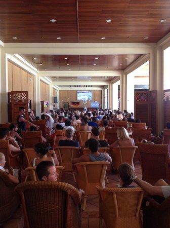 Blau Varadero Hotel Cuba: 2014 FIFA World Cup final - fans for both teams - rest of hotel empty