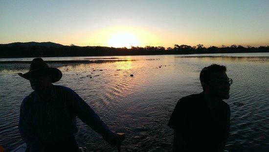 Jabiru Safari Lodge: Sunset on the boat trip.