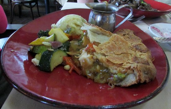 Linn's Fruit Bin Restaurant: Chicken Pot Pie