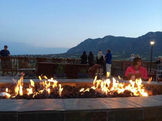 Cheyenne Mountain Resort: Fire pit on one of the decks