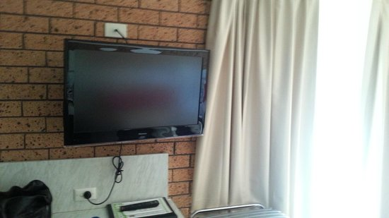 Golden Harvest Motor Inn: Flat screen TV