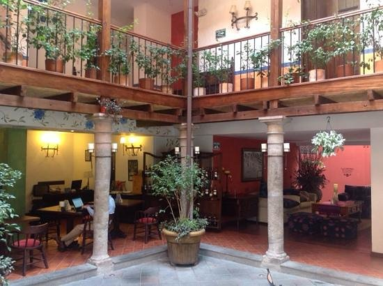 La Casona de la Ronda Heritage Boutique Hotel: Reception area and first floor