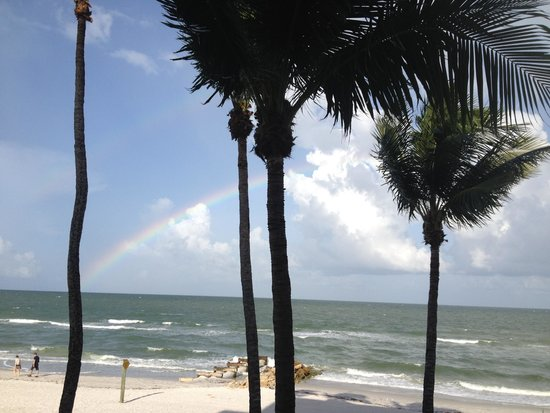 The Naples Beach Hotel & Golf Club : Rainbow over the Gulf