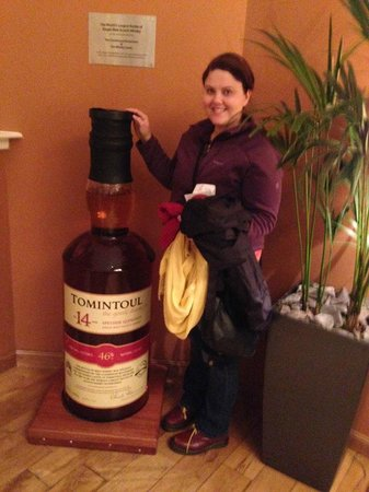 The Scotch Whisky Experience : The worlds largest bottle of Scotch!