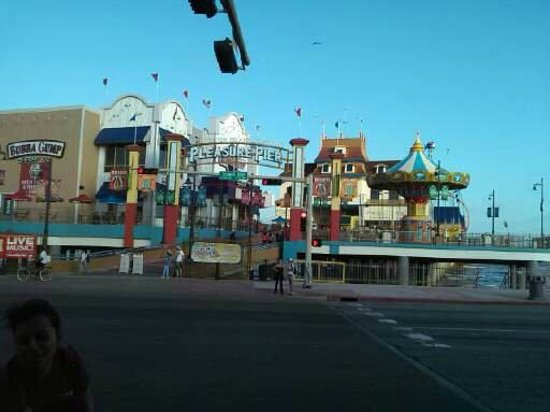Galveston Island Historic Pleasure Pier: View from across the street