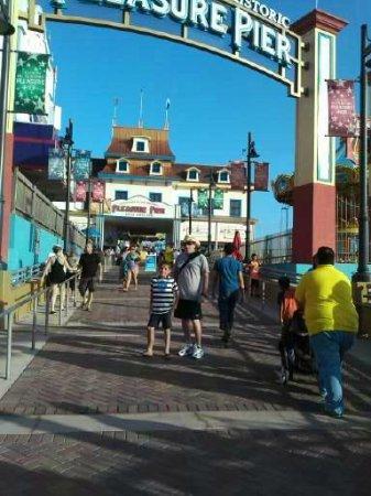 Galveston Island Historic Pleasure Pier: Entry area