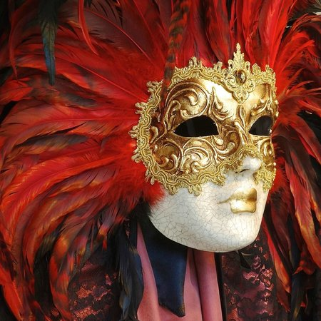 Piazza San Marco (Place St Marc) : Masks are big in Venice.