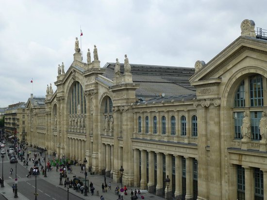 New Hotel Gare du Nord: View from our 4th floor bedroom in main building
