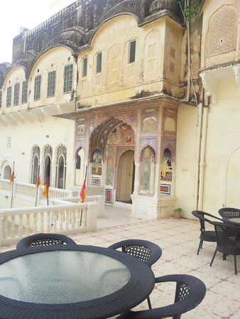 Castle Mandawa Hotel : outer view