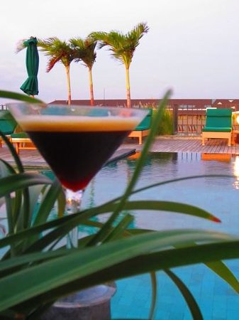 U Paasha Seminyak: espresso martini and sunset!