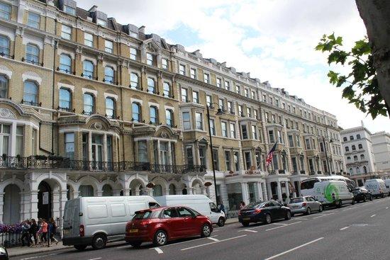 Crowne Plaza London Kensington: Exterior look