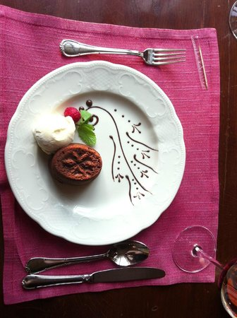 Café Pushkin: The chocolate fondant is to-die-for!