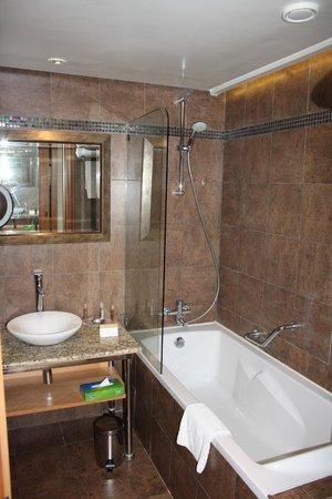 Moevenpick Resort & Marine Spa Sousse : Ванная комната