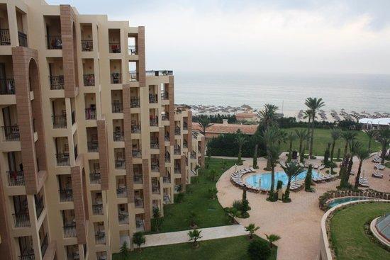 Moevenpick Resort & Marine Spa Sousse : Вид на территорию из окна номера