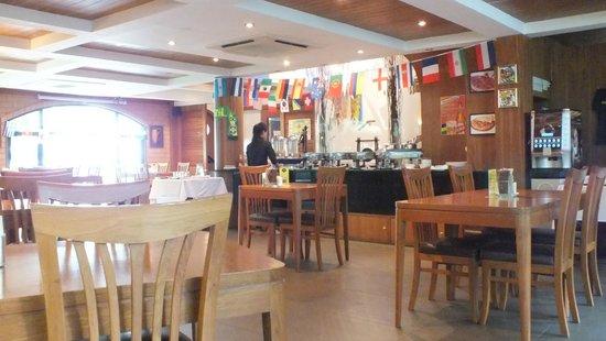 Hotel Mermaid Bangkok: good basic breakfast buffet