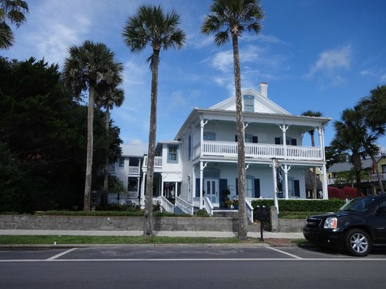 Bayfront Westcott House Bed & Breakfast : Front of the B&B