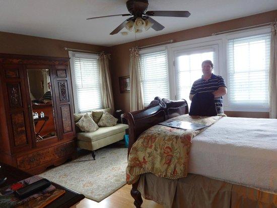 Bayfront Westcott House Bed & Breakfast: Virginia Room