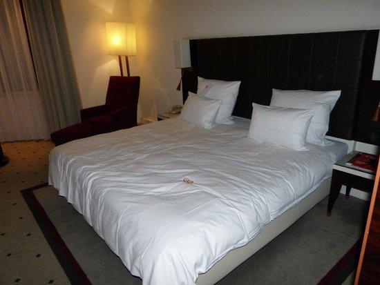 Le Méridien Stuttgart: room