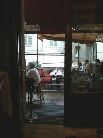 Le Manoir: Vista tavoli esterni