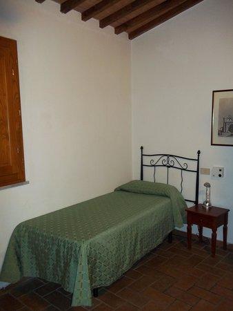 Helvetia : bed in room 25