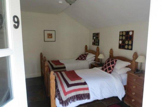 Grindale House: Inside Robin's Nest