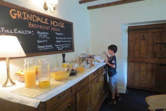 Grindale House: Breakfast room