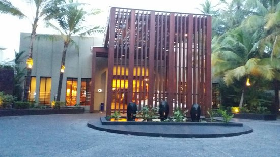 Novotel Phuket Surin Beach Resort.: ...