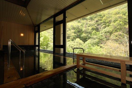 Yamadakan: 大浴場