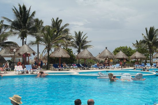 Grand Bahia Principe Tulum: diamond area pool