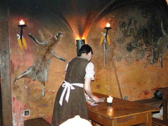 Stredoveka Krcma (Medieval Tavern) : Интерьер