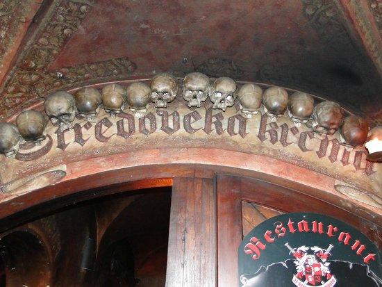 Stredoveka Krcma (Medieval Tavern) : Вывеска