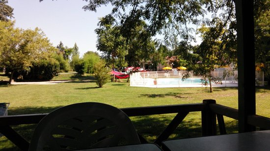 Camping Village l'Apamee: Vue du chalet