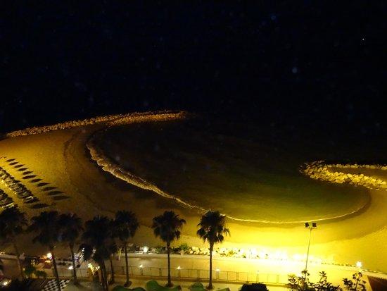 Playabonita Hotel : playa noche