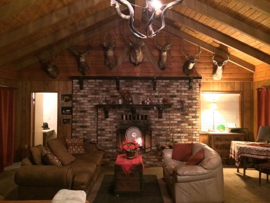 The Red Rooster Lodge: rustic charm